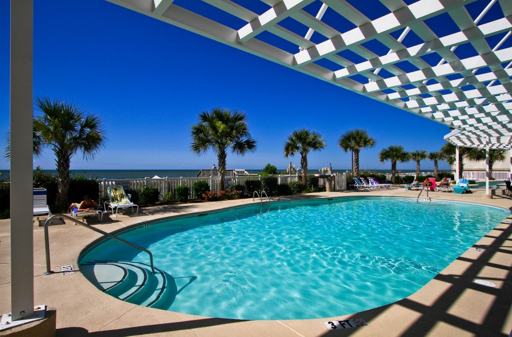 Oceanfront pool at Blue Water Keyes